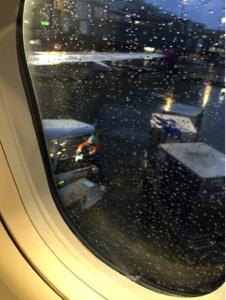 雨降る東京国際空港 羽田を出発