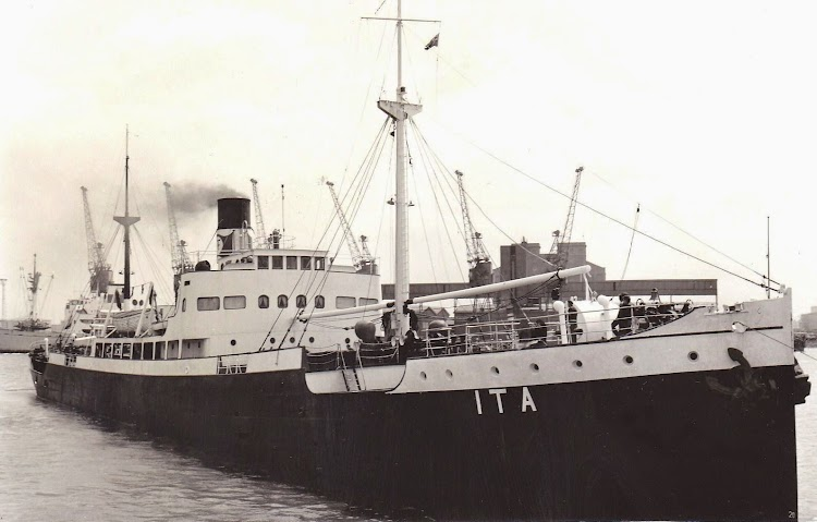 El ITA en Immingham. Ca. 1950. Foto Charli Hill. PWR. Web Shipspotting.jpg