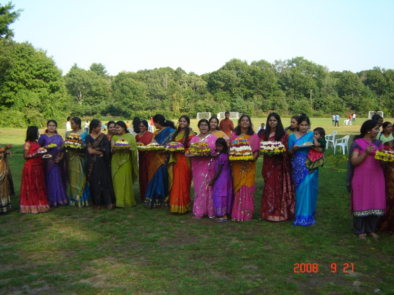 Boston Bathukamma 2008 - nimajjanam2.JPG