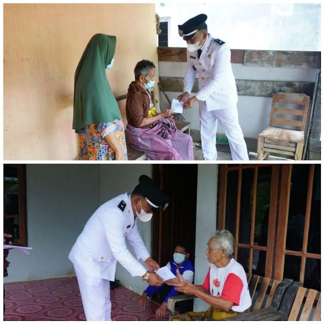 Cara Pemdes Mekar Jaya Rayakan HUT RI ke 76, Berikan Bantuan ke Yatim dan Dhuafa