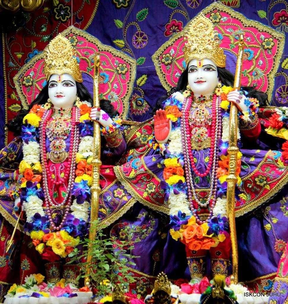 ISKCON Juhu Sringar Deity Darshan 29 Jan 2016 (40)