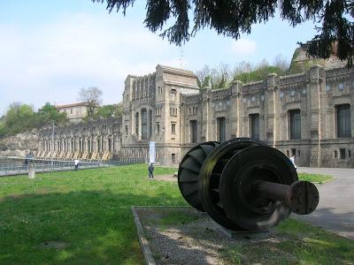 Centrale elettrica Crespi-Taccani