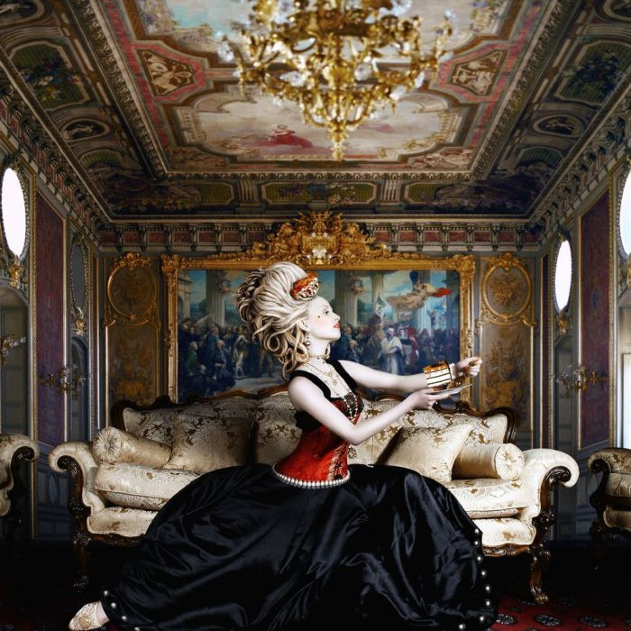 [marie-antoinette-the-extravagant-queen%255B4%255D.jpg]