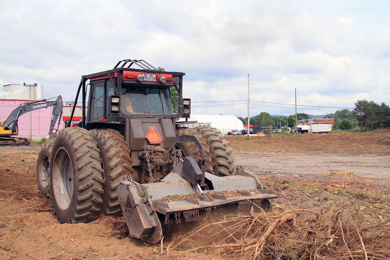 Aménagement Terrain industriel - broyage-pour-amenagement-terrain-industriel-7.jpg