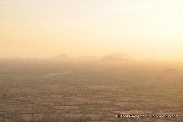 Coucher du soleil face aux monts Aravalli, Narlai, Rajasthan