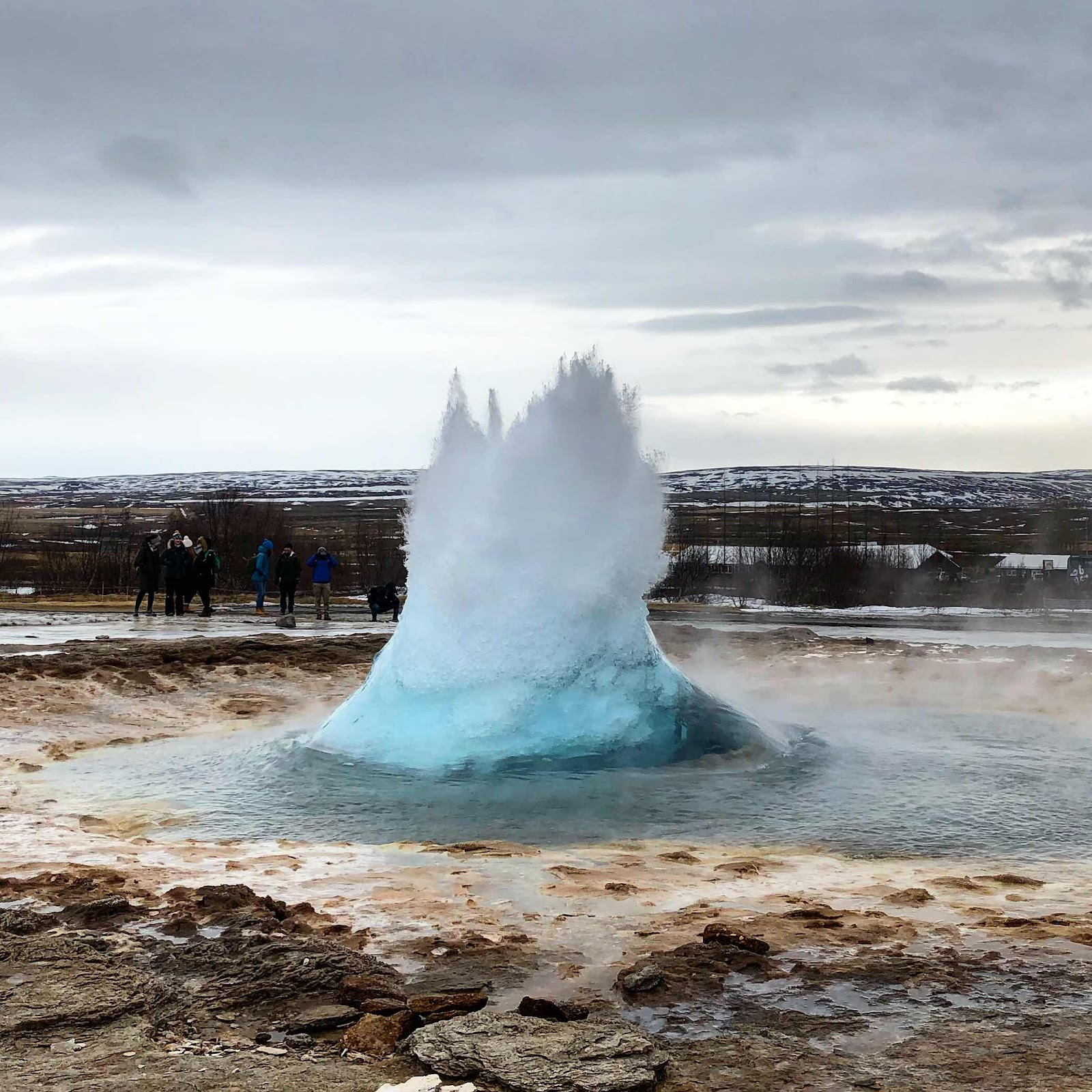 london-lifestyle-travel-blogger-iceland-geysir