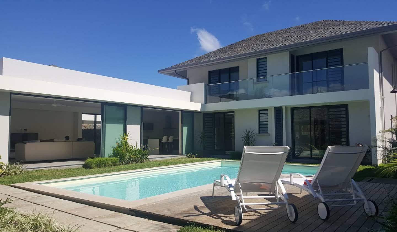 Villa with garden Rivière Noire District