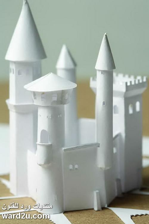 مجسمات ثلاثية الابعاد من ورق ابيض