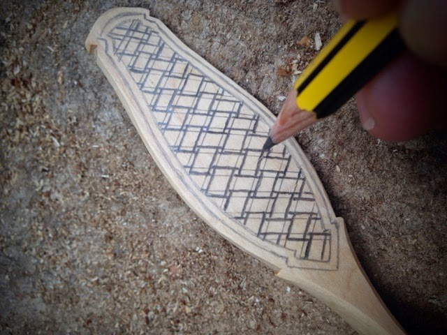 Carving A Basket Weave Pattern On A Gunstock : Simon hill green wood carving finished scoops