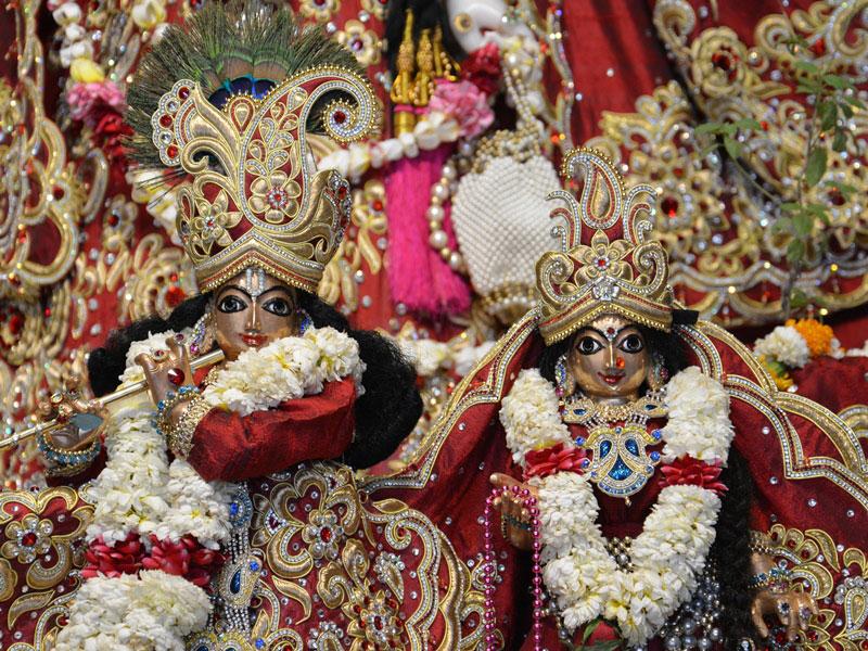 ISKCON Ahmedabad Deity Darshan 30 Mar 2016  (3)