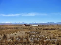 Cordillera de los Andes, vista desde el camino a Copacabana