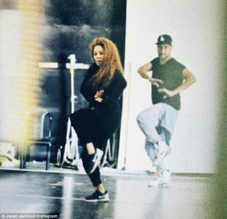 Janet Jackson Shows Off post Baby Body In New Photo