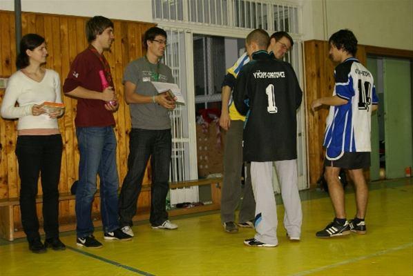 fodbal09nedela104