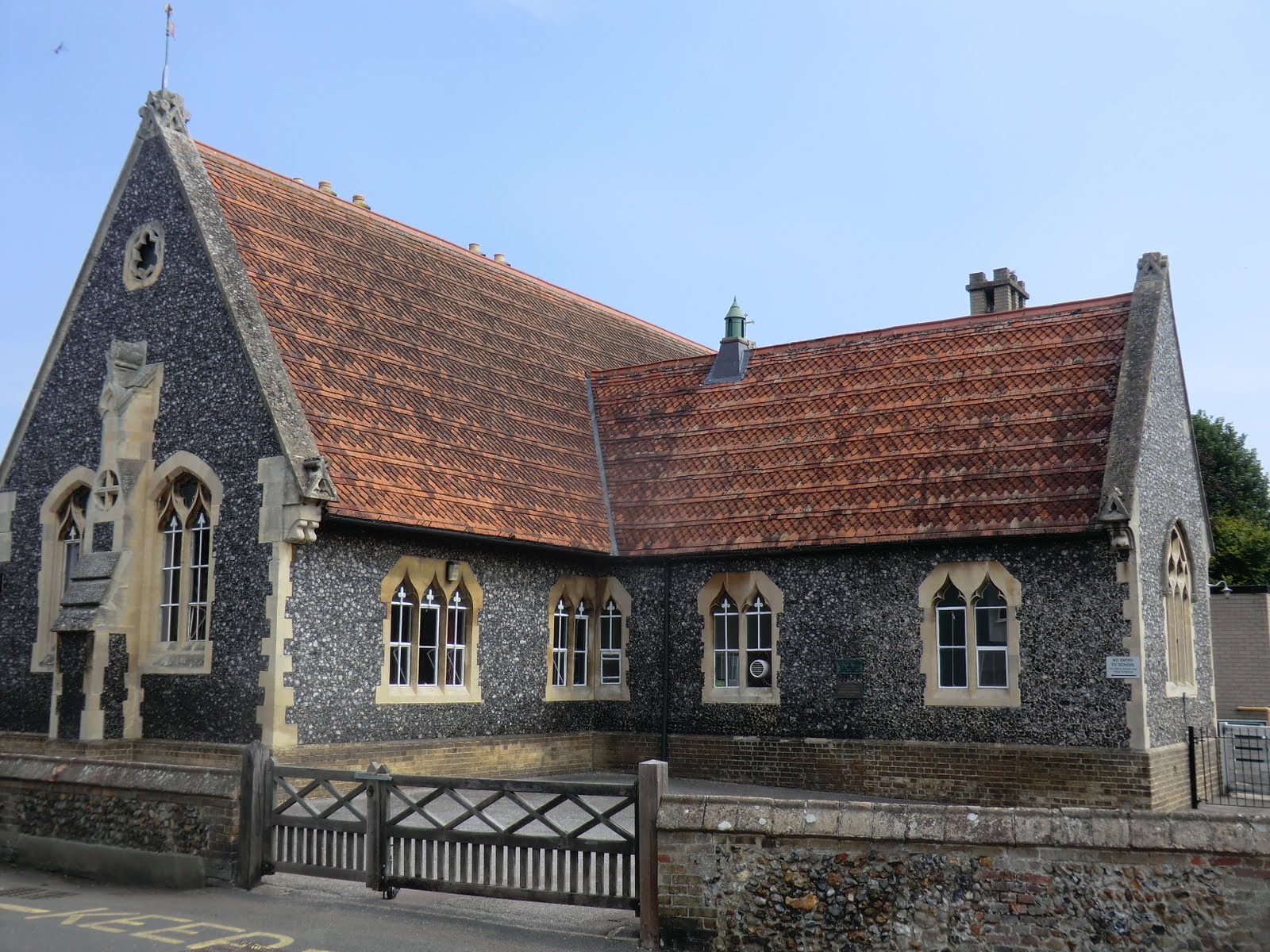 CIMG5984 Village school, Great Chesterford