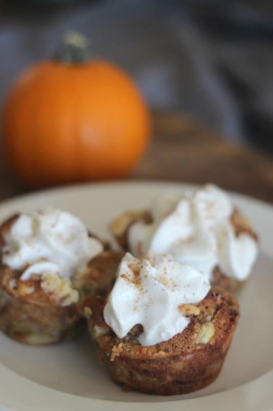 pumpkin-cake-muffins