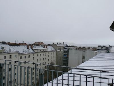Nach ca 10 Minuten war schon wieder alles vorbei, es kühlte kräftig ab auf 1,4 °C und es lag ca 1cm Schnee