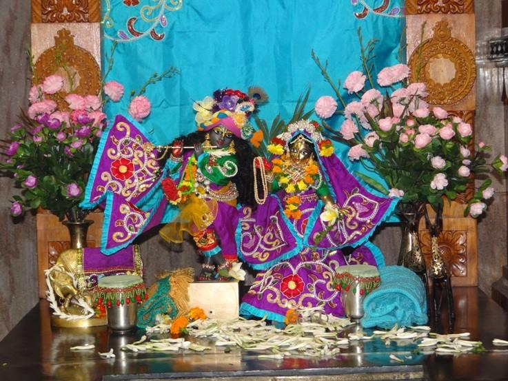 ISKCON Nigdi Deity Darshan 06 Jan 2016 (9)