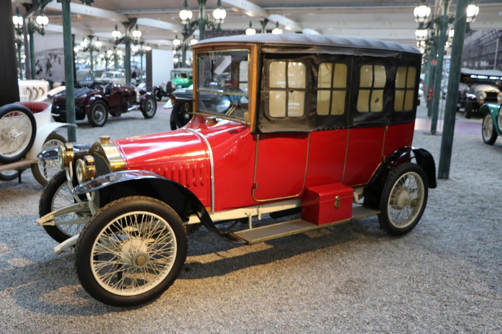 Schlumpf Collection 0607 - 1912 De Dion-Bouton Limousine Type DH.jpg