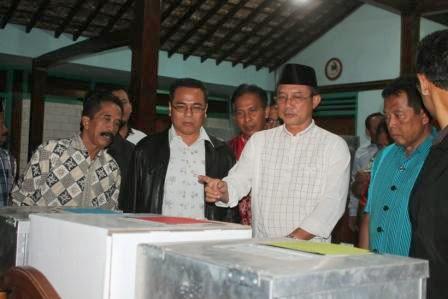 Jelang Pemilu Legislatif 2014,  Bupati Ngawi Sidak Ke Sejumlah TPS