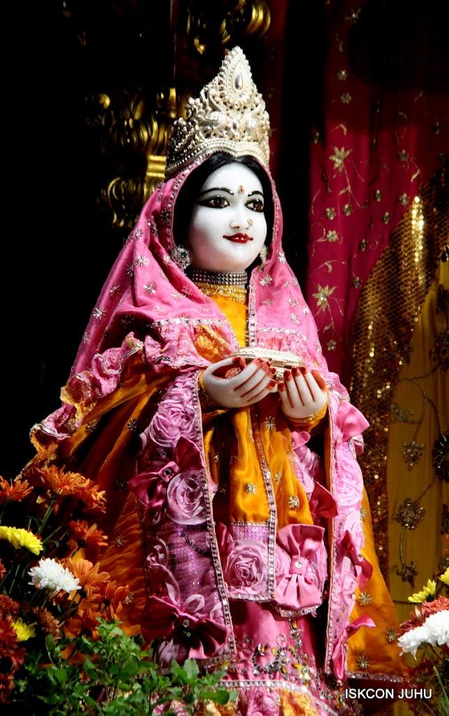 ISKCON Juhu Mangal Deity Darshan on 30th June 2016 (17)