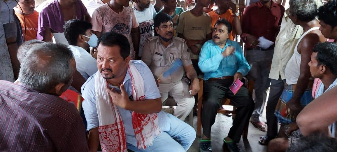 समस्तीपुर में अतिक्रमण मुक्त कराने गए सीओ और तीन थाना के पुलिस को ग्रामीण ने बनाया बंधक...