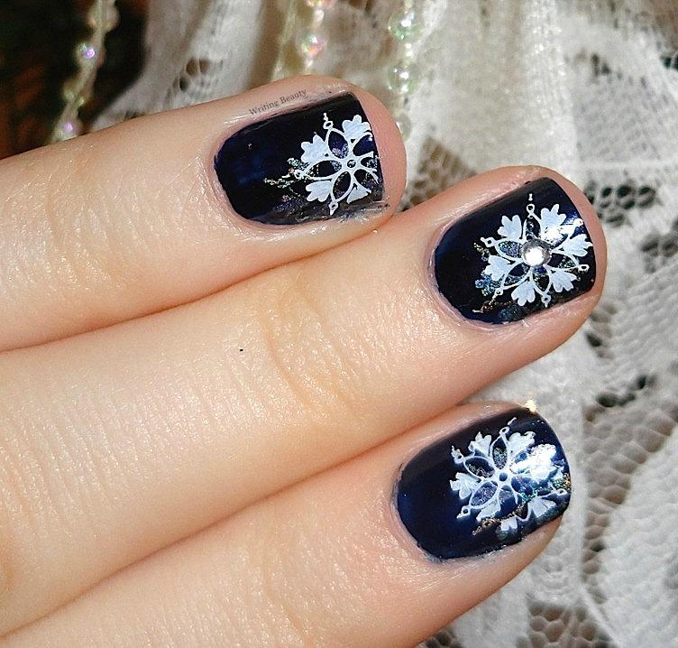 Shimmering Snowflakes Nail Art 2