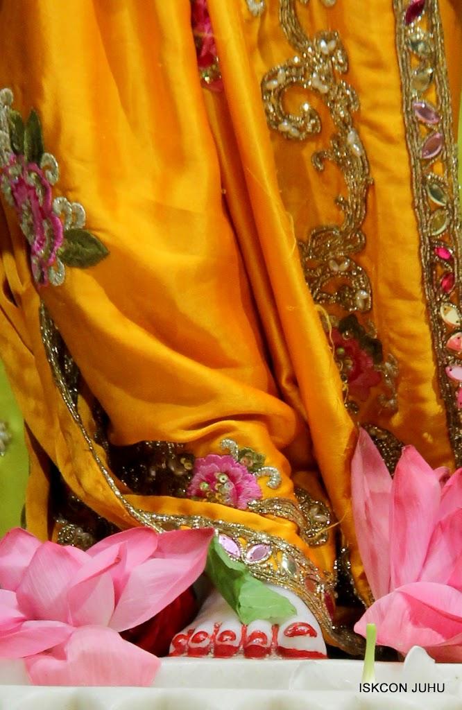 ISKCON Juhu Mangal Deity Darshan on 24th Aug 2016 (36)