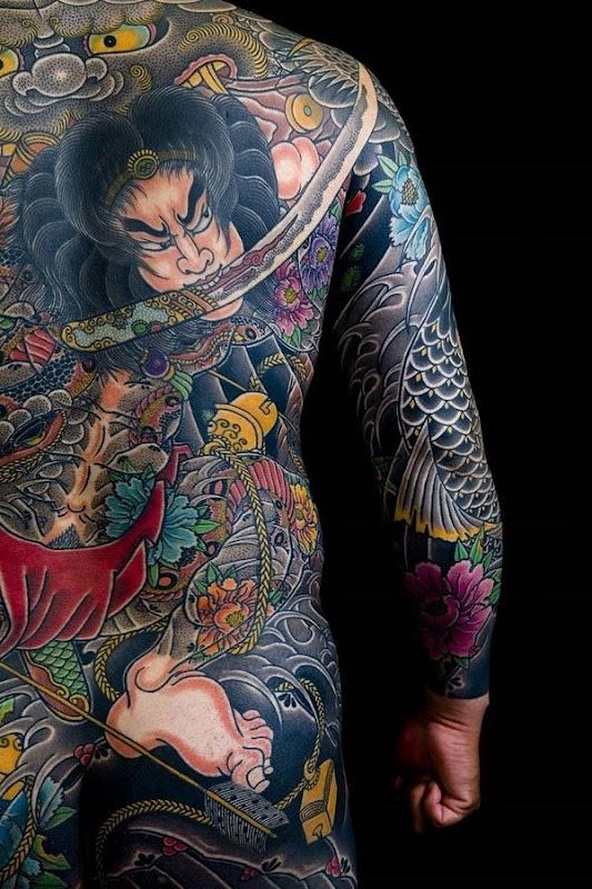 o_japons_volta_completa_da_tatuagem