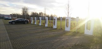 Superchargers for Tesla, incl destination chargers poster