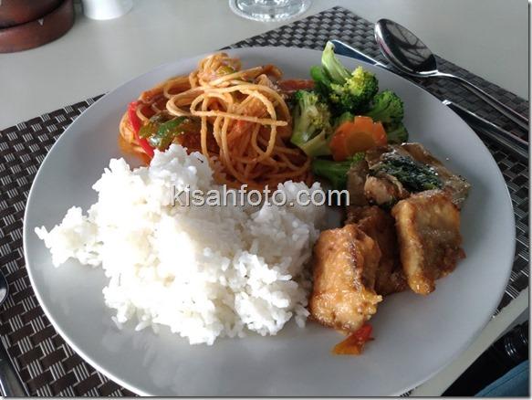 Makan Siang di Barelo Solo