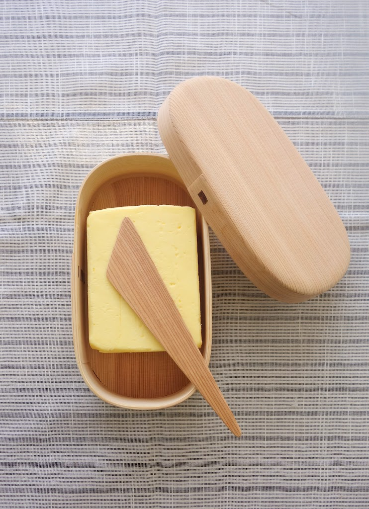 Magewappa Butter Dish with Spreading Knife