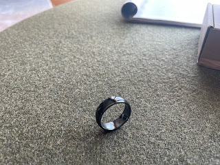 A simple black ring