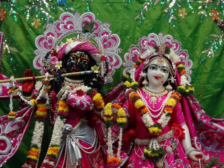 ISKCON Nigdi Deity Darshan 19 Dec 2015 (3)