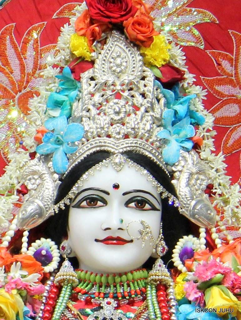 ISKCON Juhu Sringar Deity Darshan on 28th Aug 2016 (33)