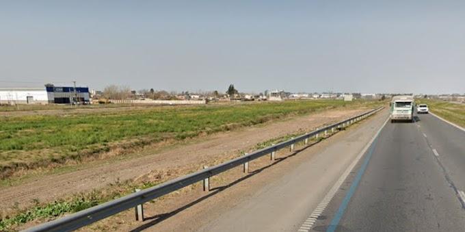 Un ciclista murió al ser embestido por un camión en la Autopista Bs As-Rosario altura VGG