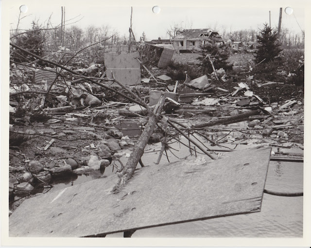 1976 Tornado photos collection - 52.tif