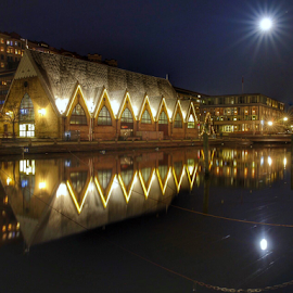 Super moon is the nights star Gothenburg  by Eva Larsson - Buildings & Architecture Public & Historical ( moon building canal gothenburg reflection night photos )