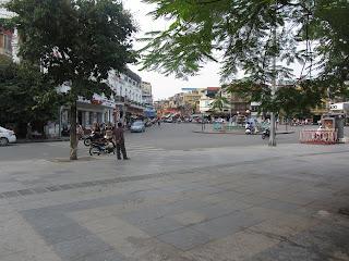 0045The_Streets_of_Hanoi