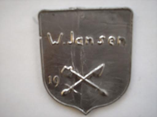 Naam: W. JansenPlaats: ZwolleJaartal: 1990