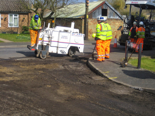 St Johns Close Resurfacing 23-03-2015. Pictures by Chris Cannon - IMG_1080.JPG