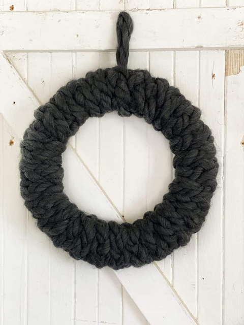 chunky yarn fall wreath