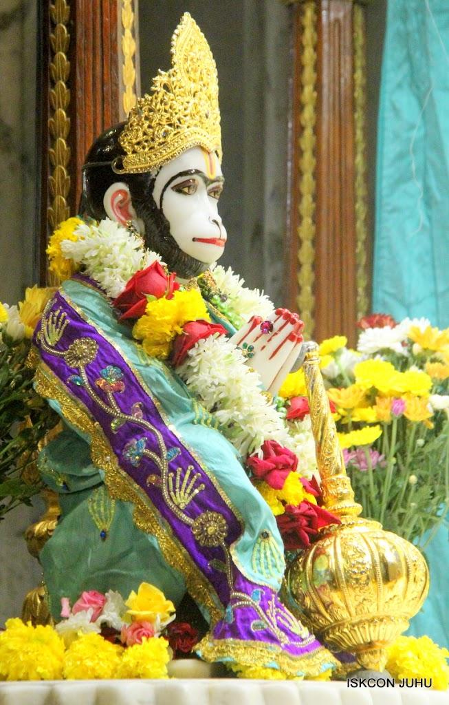 ISKCON Juhu Sringar Deity Darshan on 24th July 2016 (31)