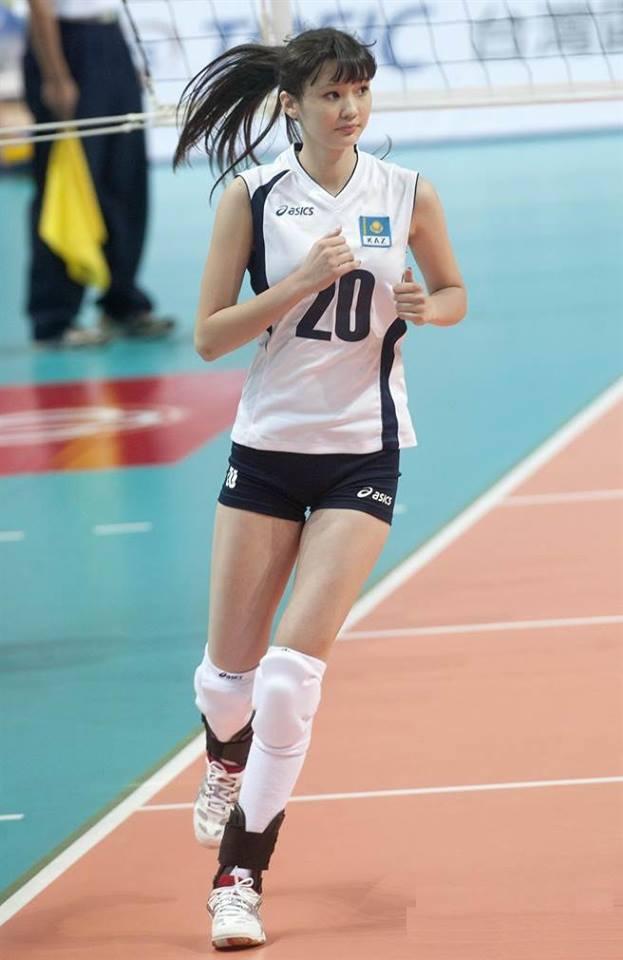 Nữ vận động viên vừa cao vừa xinh