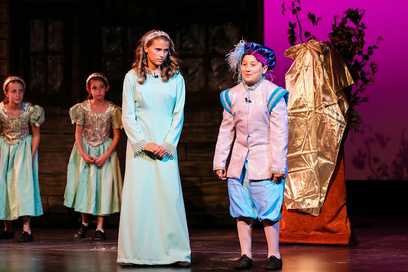 2014Snow White - 10-2014%2BShowstoppers%2BSnow%2BWhite-5682.jpg