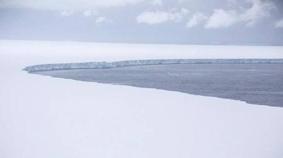 British Forces capture images of the world's largest iceberg