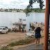 Homem morre afogado após caminhonete cair de balsa em rio