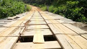 Kades Sungai Dayo Kecewa Rehab Jembatan Dibatalkan, Perbaikan Gedung Kejari Muarojambi Justru Dilanjutkan