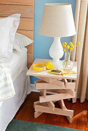 Mesa de cabeceira reciclada com sobras de madeira