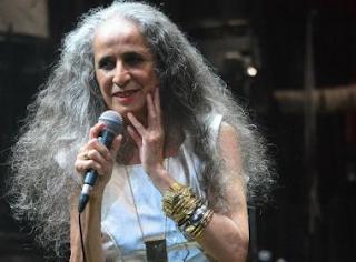 Maria Bethânia anuncia live no dia 13 de fevereiro