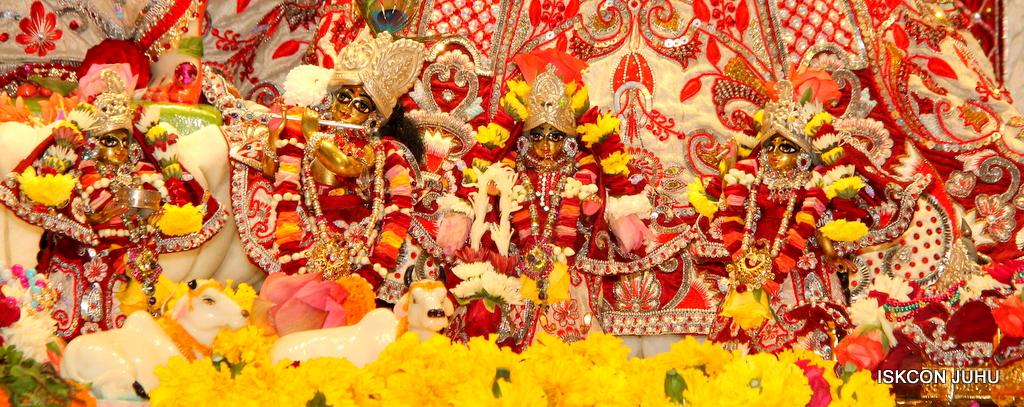 ISKCON Juhu Sringar Deity Darshan on 30th Sep 2016 (16)